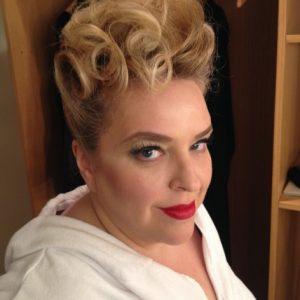 Vitellia et sa coiffure du tonnerre! Décembre 2014